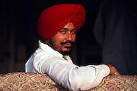 Sikh man at the Golden Temple (holiest Sikh shrine), Amritsar (Punjab), India