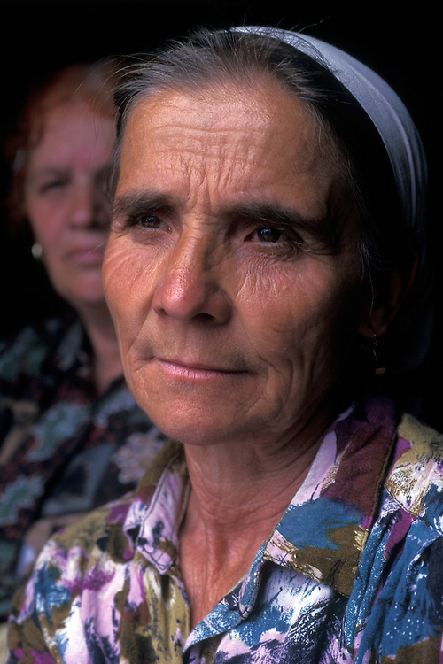 Kosovar Albanian refugee woman, Kosovo-Albania border.
