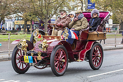 November 4, 2018 - Brighton, East Sussex, United Kingdom - Brighton, UK. Hundreds of vintage cars take part in the 122nd anniversary of the original Emancipation Run of 1896 , now known as the London to Brighton car run, which celebrated the passing into law of the Locomotives on the Highway Act so raising the speed limit for 'light automobiles' from 4mph to 14mph. The yearly event organised by the Royal Automobile Club sees cars drive from London to Brighton. (Credit Image: © Hugo Michiels/London News Pictures via ZUMA Wire)