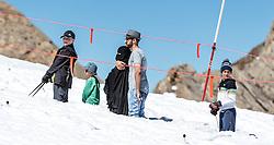 THEMENBILD - Arabische Touristen im Schnee am Kitzsteinhorn Gletscher beim Gletscher Plateau. Jedes Jahr besuchen mehrere Tausend Gäste aus dem arabischen Raum die Urlaubsregion im Salzburger Pinzgau, aufgenommen am 08. August 2016 in Zell am See, Österreich // Arab tourists in the snow on the Kitzsteinhorn glacier in glacier plateau. Every year thousands of guests from Arab countries takes their holiday in Zell am See - Kaprun Region, Zell am See, Austria on 2016/08/08. EXPA Pictures © 2016, PhotoCredit: EXPA/ JFK