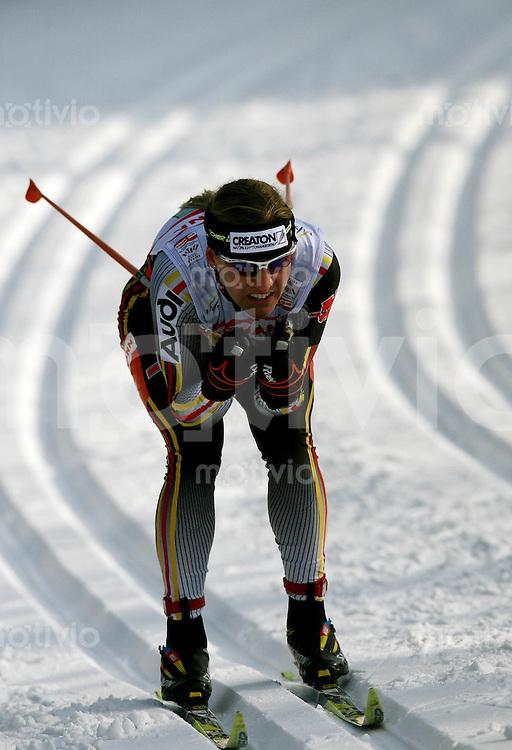 Sapporo , 010307 , Nordische Ski Weltmeisterschaft  Frauen 4x5KM Staffel Rennen ,  Viola BAUER (GER)
