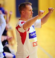 Håndball Skrimhallen 4 April 2009<br /> Kvinner 2 div Kvalifisering  til 1 div<br /> <br /> HK Rygge vs Stjørdal HK<br /> <br /> Resultat  26 - 23<br /> <br /> Foto: Robert Christensen - Digitalsport<br /> <br /> HK Rygge Trener Kai Frydenlund Holm jubler etter seier