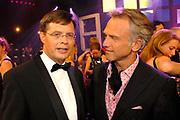 MIS(S) VERKIEZING 2007 vanuit Studio Baarn. De verkiezing van de  mooiste, slimste, charmantste en meest betrokken gehandicapte jonge vrouw van Nederland.<br /> <br /> Op de foto:<br /> <br />  Jan Peter Balkenende en Jaap Jongbloed