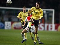 Fotball<br /> Champions League 2004/05<br /> Monaco v Liverpool<br /> 23. november 2004<br /> Foto: Digitalsport<br /> NORWAY ONLY<br /> DIETMAR  HAMANN (LIV) / ERNESTO CHEVANTON (MON)