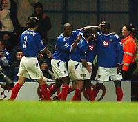 Fotball<br /> Premier League England 2004/2005<br /> 18.10.2004<br /> Foto: SBI/Digitalsport<br /> NORWAY ONLY<br /> <br /> Portsmouth v Tottenham Hotspur<br /> <br /> Portsmouth's Yakubu right hand side celebrates scoring with team mates