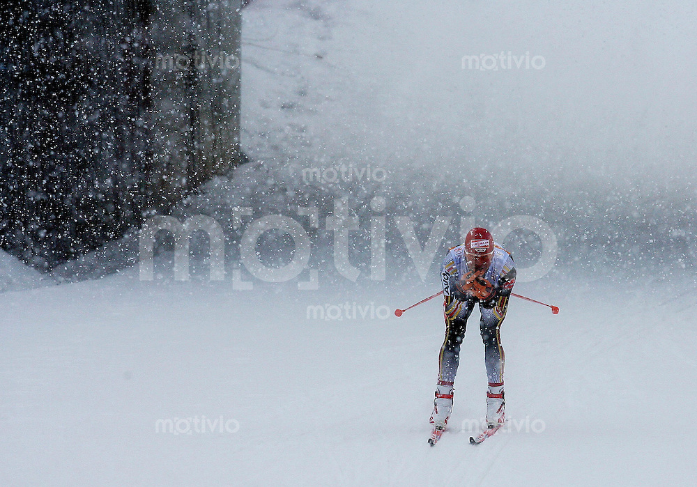 Sapporo , 280207 , Nordische Ski Weltmeisterschaft  Maenner 15km Freistil ,  Tobias ANGERER (GER) wird im Schneegestoeber nur dritter