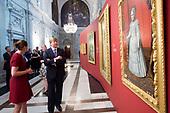 Koning opent tentoonstelling in Paleis op de Dam