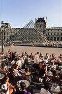 Cafes terrasses PR583A
