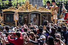 2015-05-27 Queen arrives at Westminster for opening of Parliament