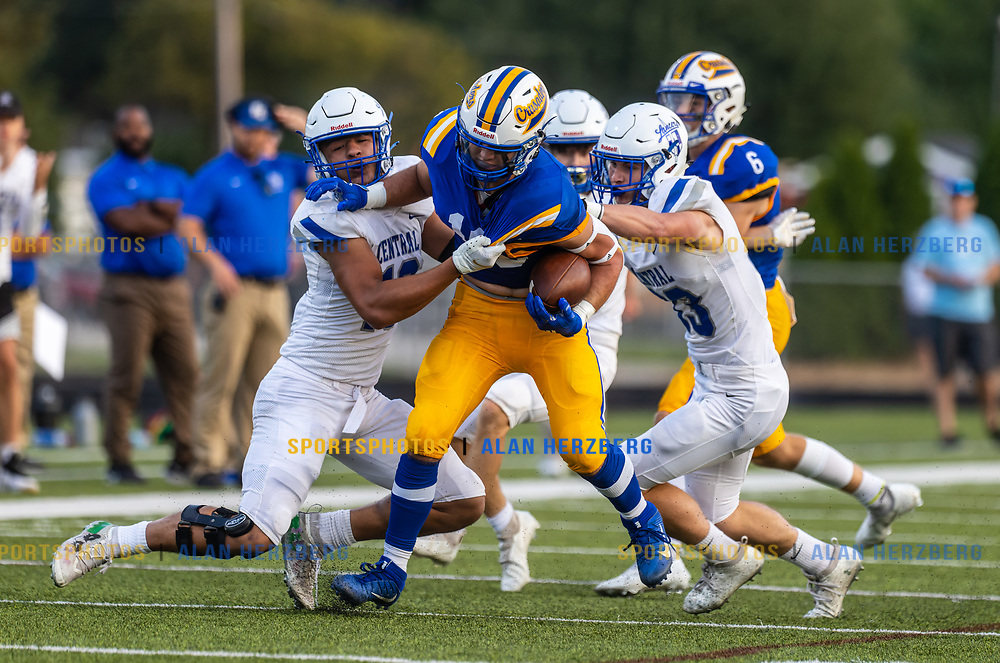 Brookfield Central vs Catholic Memorial<br /> 08/20/2021 Photos may be downloaded via the download link.
