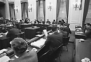 Nederland, Den Haag, 15-10-1986Commissievergadering van de WO-raad, wo raad. Minister van onderwijs deetman , zijn pg Roel in t veld en de woordvoerders van onderwijs in commissie bijeen in de oude vergaderzaal van de tweede kamer.Foto: Flip Franssen/Hollandse Hoogte