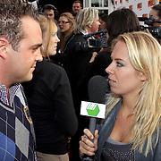 NLD/Eemnes/20081020 - Premiere Dries Roelvink film, aankomst cast, Grad Damen word geinterviewd door 101tv