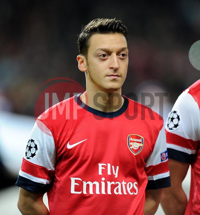 Arsenal's Mesut Ozil - Photo mandatory by-line: Alex James/JMP - Tel: Mobile: 07966 386802 22/10/2013 - SPORT - FOOTBALL - Emirates Stadium - London - Arsenal v Borussia Dortmund - CHAMPIONS LEAGUE - GROUP F