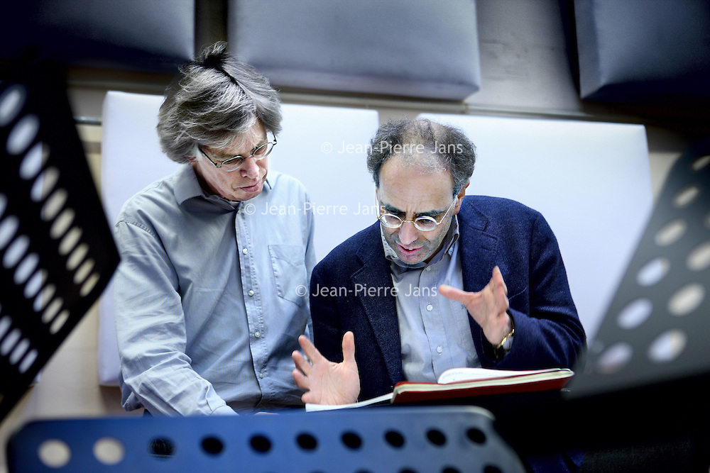Nederland, amsterdam , 17 januari 2011..Dirigent Ed Spanjaard (r) en componist Joel Bons van het Nieuw Ensemble..Foto:Jean-Pierre Jans