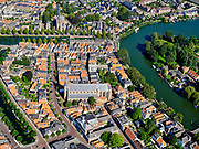 Nederland, Noord-Holland, Weesp, 02-09-2020; centrum van Weesp, met rivier de Vecht. Verder onder andere Grote - of St.Laurenskerk en Torenfort aan de Ossenmarkt, onderdeel van de Stelling van Amsterdam.<br /> City center of Weesp, with the Vecht river. Also included Grote - or St. Laurenskerk and Fort Ossenmarkt.<br /> luchtfoto (toeslag op standard tarieven);<br /> aerial photo (additional fee required);<br /> copyright foto/photo Siebe Swart