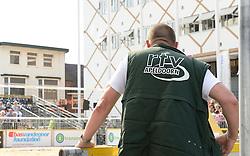 17-07-2014 NED: FIVB Grand Slam Beach Volleybal, Apeldoorn<br /> Poule fase groep A mannen - De Amerikanen waren een wedstrijd vrij aangezien de Duitsers geblesseerd afhaakten. Vrij spel dus op het centercourt / Pers, Media, TV, RTV
