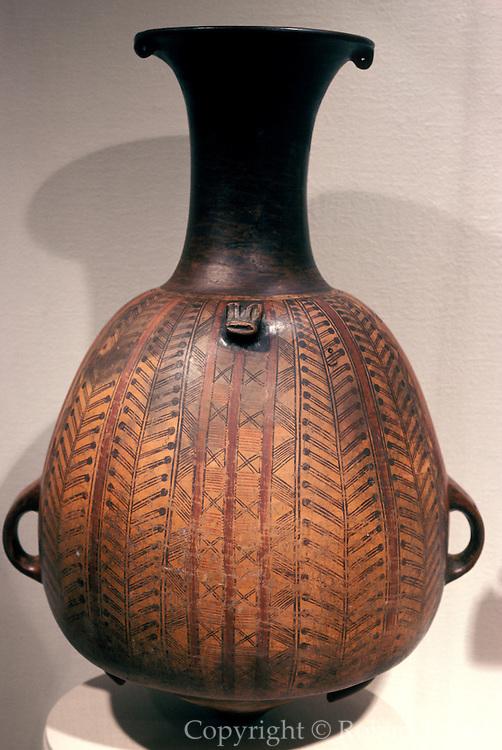 PERU, PRECOLUMBIAN Inca vase or Aryballos