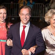 NLD/Scheveningen/20131130 - Inloop concert 200 Jaar Koningrijk der Nederlanden, Jaime de Bourbon de Parme en zwangere partner Viktória, prinses Irene