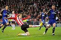 Fotball , 25. januar 2010 , Europa League <br /> Europa League PSV Eindhoven - Hamburger SV 3:2<br /> <br /> v.l. Robert Tesche, Ola Toivonen, David Rozehnal HSV<br /> Norway only