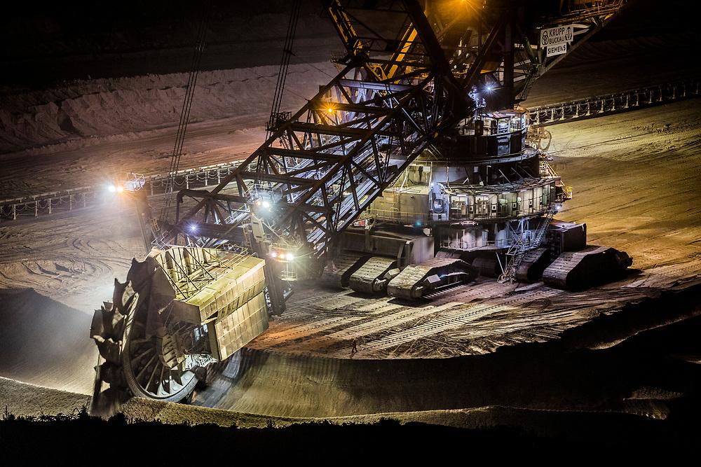 Elsdorf, DEU, 09.06.2018<br /> <br /> Der von der RWE Power AG betriebene Braunkohletagebau Hambach erstreckt sich im Rheinischen Braunkohlerevier zwischen dem Rhein-Erft-Kreis und dem Kreis Dueren.<br /> <br /> The Hambach opencast lignite mine operated by RWE Power AG extends in the Rhenish lignite mining region between the Rhine-Erft district and the Dueren district in Germany´s most western part.<br /> <br /> Foto: Bernd Lauter/berndlauter.com