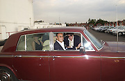 A.A. Gill and Michael Gambon. Trip to the Walthamstow dog Race track. A.A. Gill, Tim Jeffreys, Nicola  Fornby, Michael Gambon and a Rolls royce.  30 september 2001 © Copyright Photograph by Dafydd Jones 66 Stockwell Park Rd. London SW9 0DA Tel 020 7733 0108 www.dafjones.com