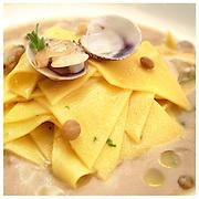 Le Ricette Tradizionali della Cucina Italiana.Italian Cooking Recipes. Maltagliati vongole e lenticchie..