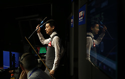 BRITAIN-SHEFFIELD-SNOOKER-WORLD CHAMPIONSHIP-QUARTERFINAL..(180502) -- SHEFFIELD (BRITAIN), May 2, 2018   Ding Junhui of China acknowledges the fans before his quarter final match with Barry Hawkins of England at the World Snooker Championship 2018 at the Crucible Theatre in Sheffield, Britain on May 2, 2018. (Credit Image: © Craig Brough/Xinhua via ZUMA Wire)