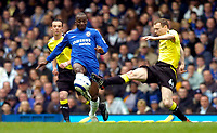 Photo: Alan Crowhurst.<br />Chelsea v Manchester City. The Barclays Premiership. 25/03/2006. Claude Makelele of Chelsea (C) challenges with Willo Flood (L).