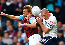 25.08.2010, Boleyn Ground, London, ENG, Carling Cup, West Ham United vs Oxford United, im Bild Jonathan Spector of West Ham United beats James Constable of Oxford United. EXPA Pictures © 2010, PhotoCredit: EXPA/ IPS/ Kieran Galvin +++++ ATTENTION - OUT OF ENGLAND/UK +++++ / SPORTIDA PHOTO AGENCY