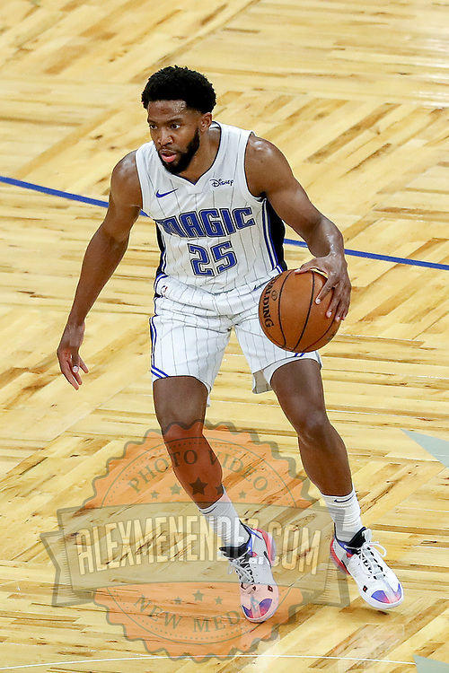 ORLANDO, FL - FEBRUARY 23:  Chasson Randle #25 of the Orlando Magic control the ball against the Detroit Pistons at Amway Center on February 23, 2021 in Orlando, Florida. NOTE TO USER: User expressly acknowledges and agrees that, by downloading and or using this photograph, User is consenting to the terms and conditions of the Getty Images License Agreement. (Photo by Alex Menendez/Getty Images)*** Local Caption *** Chasson Randle