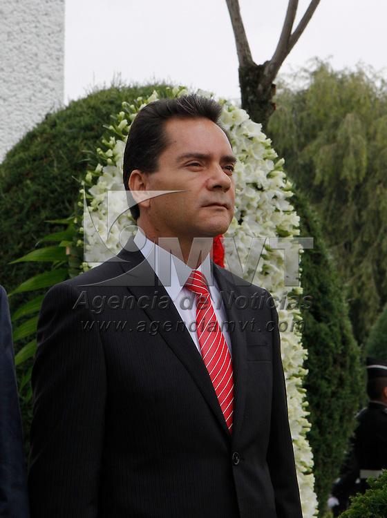 Toluca, México.- Miguel Ángel Contreras Nieto, Procurador General de Justicia del Estado de México encabezó la ceremonia por el  natalicio de Alfredo del Mazo. Agencia MVT / Crisanta Espinosa