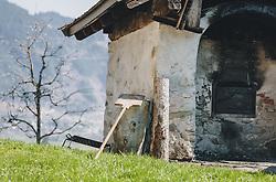 THEMENBILD - ein alter, traditioneller Holzbackofen, aufgenommen am 10. April 2020 in Kaprun, Oesterreich // an old, traditional wood-burning oven, in Kaprun, Austria on 2020/04/10. EXPA Pictures © 2020, PhotoCredit: EXPA/Stefanie Oberhauser