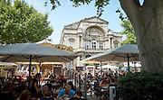 Terrasjes op de Place d'Horloge, Avignon, Frankrijk -Place d'Horloge in Avignon, France
