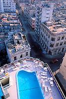 Cuba, Centro Havana, Piscine de l'hôtel Deauville // Cuba, Centre of Havana, Swimming pool of the Hotel Deauville