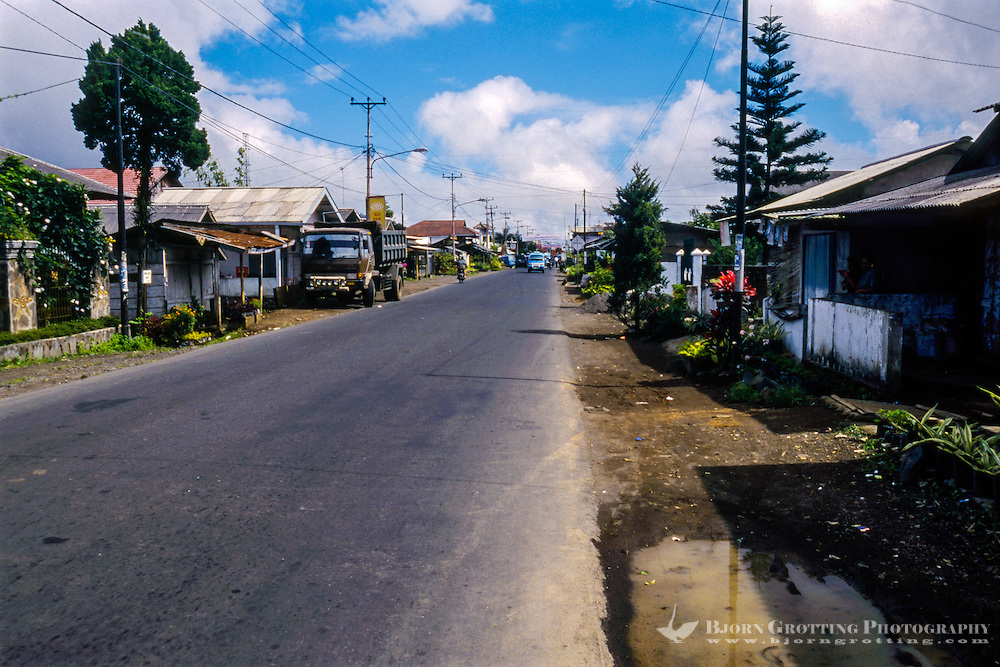 Indonesia, Sulawesi, Tomohon. A street not far from Tomohon city center.