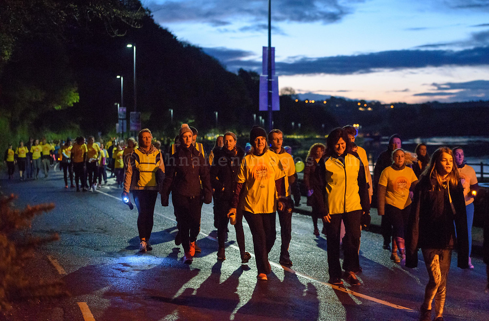 REPRO FREE<br /> A section of the estimated 1200 participants on the route of the inaugural Kinsale Darkness into Light walk in aid of Pieta House and organised by Kinsale Youth Support Services (KYSS).<br /> Picture. John Allen