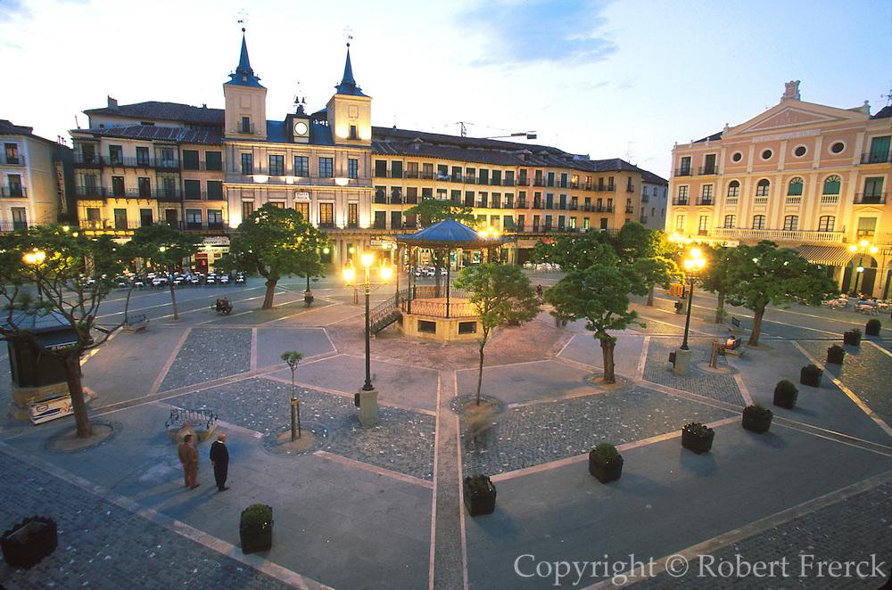 SPAIN, CASTILE, SEGOVIA Plaza Mayor; City Hall, band shell