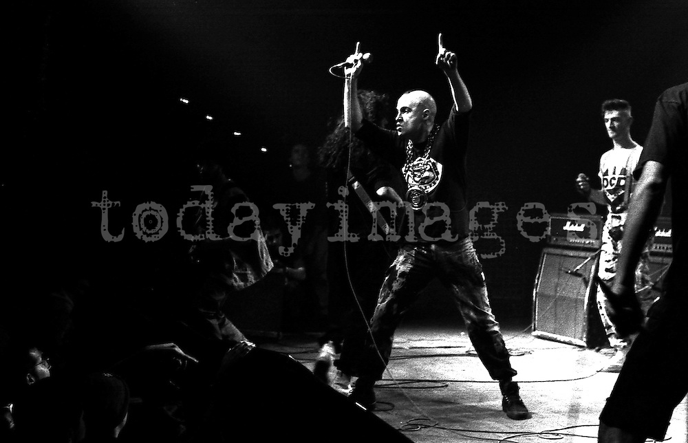 Def con dos performing at the Revolver club in Madrid 1994