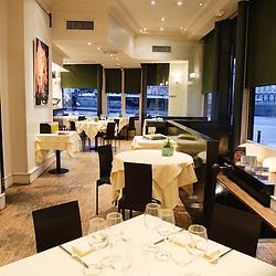 """Restaurant """"Les Bouquinistes"""", pour Telerama Sortir. Paris, quai des Grands Augustins. 9 fevrier 2009. Photo : Antoine Doyen"""