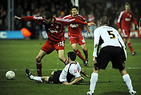 Fotball<br /> Foto: Fotosports/Digitalsport<br /> NORWAY ONLY<br /> <br /> Luton Town v  Liverpool FA Cup 3rd Round  06/01/2008<br /> Peter Crouch (Liverpool)<br /> Alan Goodall  (Luton)