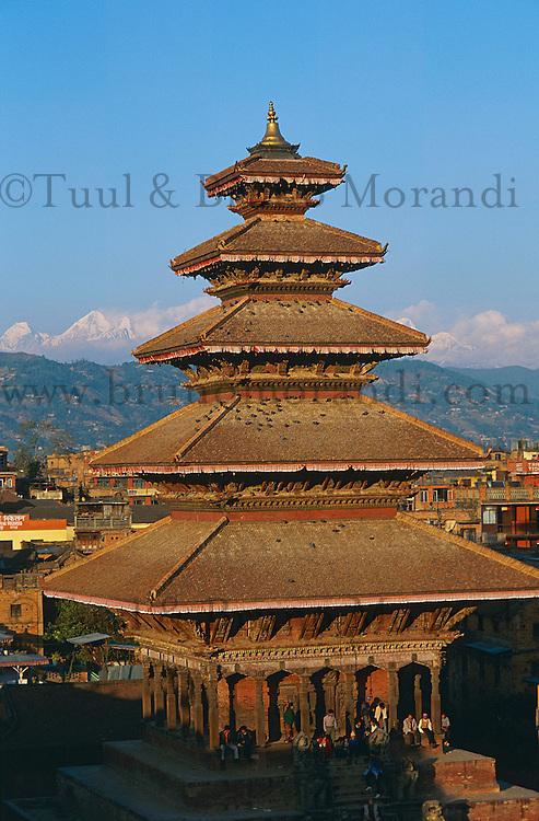 Nepal. Vallee de Kathmandu. Ville Newar de Bhaktapur. Temple de Nyatapola. // Nepal. Kathmandu valley. Newar city of Bhaktapur. Nyatapola temple.
