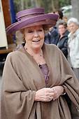 Koningin Beatrix opent 'Amsterdamse Westerstraat'