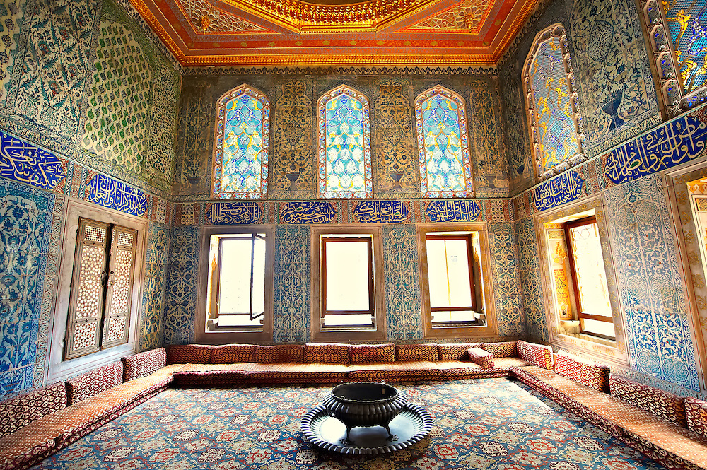 Ottoman. designed tiled rooms of the Crown Prince in the Harem of the  Topkapi Palace, Istanbul, Turkey .<br /> <br /> If you prefer to buy from our ALAMY PHOTO LIBRARY  Collection visit : https://www.alamy.com/portfolio/paul-williams-funkystock/topkapi-palace-istanbul.html<br /> <br /> Visit our TURKEY PHOTO COLLECTIONS for more photos to download or buy as wall art prints https://funkystock.photoshelter.com/gallery-collection/3f-Pictures-of-Turkey-Turkey-Photos-Images-Fotos/C0000U.hJWkZxAbg