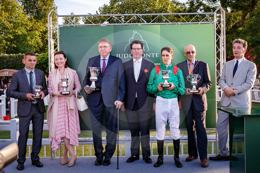 Trophy Presentation Prix Maurice De Nieuil Gr.2 in Saint-Cloud, 14/07/2017, photo: Zuzanna Lupa / Racingfotos.com
