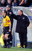 Photo: Alan Crowhurst.<br />Wycombe Wanderers v Grimsby Town. Coca Cola League 2. 18/11/2006. Grimsby coach Alan Buckley directs the play.