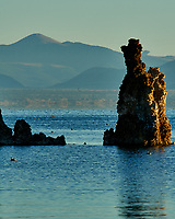 Mono Lake, South Tufa Area. Image taken with a Nikon D3 camera and 200 mm f/2 lens (ISO 200, 200mm, f/16, 1/80 sec).