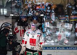 27.10.2019, Keine Sorgen Eisarena, Linz, AUT, EBEL, EHC Liwest Black Wings Linz vs HC TWK Innsbruck Die Haie, 2. Runde, im Bild Tormann Conner James Motte (HC TWK Innsbruck Die Haie) // during the Erste Bank Eishockey League 2th round match between EHC Liwest Black Wings Linz and HC TWK Innsbruck Die Haie at the Keine Sorgen Eisarena in Linz, Austria on 2019/10/27. EXPA Pictures © 2019, PhotoCredit: EXPA/ Reinhard Eisenbauer