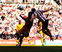 Photo: Jed Wee/Sportsbeat Images.<br /> Sunderland v Wolverhampton Wanderers. Coca Cola Championship. 07/04/2007.<br /> <br /> Sunderland's Ross Wallace (R) scores the winning goal.
