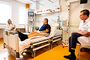 utrecht, 22-06-2021, UMC Utrecht<br /> <br /> Koningin MAxima tijdens een werkbezoek gebracht aan het UMC Utrecht. Het bezoek stond in het teken van inhaalzorg; behandelingen die werden uitgesteld om voorrang te geven aan opnames van patiënten met COVID-19. FOTO: Brunopress/POOL/Patrick van Katwijk<br /> <br /> Queen Maxima during a working visit to the UMC Utrecht. The visit was dominated by catch-up care; treatments that were postponed to prioritize admissions of patients with COVID-19.