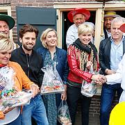 """NLD/Alkmaar/20180518 - Perspresentatie """"Nederland staat op tegen kanker"""" officiele start, Casrolien Tensen, Ruud Feltkamp, Marlijn Weerdenburg, Anita Witzier en Peter R. de Vries"""